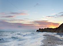 Vista di paesaggio dalla spiaggia selvaggia Immagini Stock Libere da Diritti