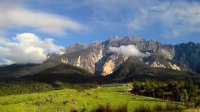 Vista di paesaggio del paesaggio della montagna Kinabalu Fotografia Stock