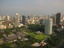 Vista di paesaggio urbano di Tokyo sul tempio di Zojo-ji Immagine Stock
