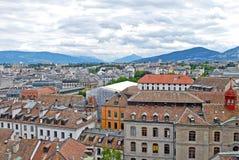 Vista di paesaggio urbano e Shoreline del lago Lemano, Svizzera Fotografie Stock Libere da Diritti