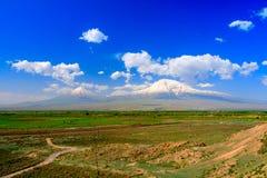 Vista di panorama alla montagna dell'Ararat dal lato dell'Armenia Fotografie Stock Libere da Diritti