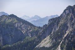 Vista di panorama alle alpi bavaresi Immagine Stock