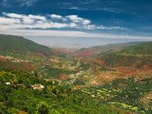 Vista di panorama alle montagne di atlante ed alla valle Marocco Fotografia Stock Libera da Diritti