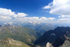 Vista di panorama con la montagna Grossglockner ed i ghiacciai, alpi di Hohe Tauern, Austria Fotografia Stock