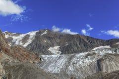 Vista di panorama del ghiacciaio della Tre-La-Tete in alpi francesi Immagine Stock Libera da Diritti