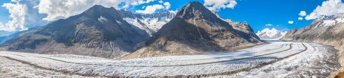 Vista di panorama del ghiacciaio di Aletsch sulle montagne Fotografie Stock Libere da Diritti