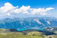Vista di panorama del lago e delle alpi Brienz Fotografia Stock Libera da Diritti