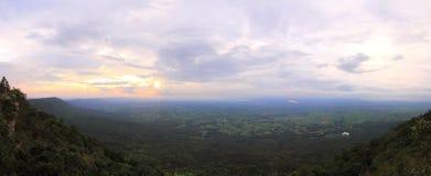 Vista di panorama dell'alta montagna Immagini Stock