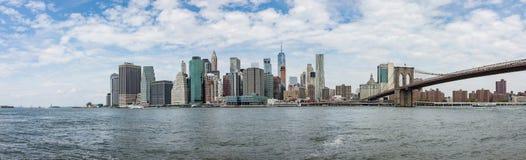 Vista di panorama dell'orizzonte di Manhattan da Brooklyn Immagine Stock Libera da Diritti