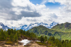 Vista di panorama delle alpi nel Ticino Fotografia Stock Libera da Diritti