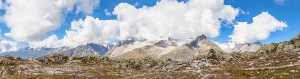 Vista di panorama delle alpi sopra Aletschgletscher Fotografia Stock Libera da Diritti
