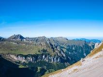 Vista di panorama delle alpi vicino ad Uri Rotstock Fotografia Stock