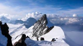 Vista di panorama delle montagne vicino al Jungfraujoch nelle alpi svizzere Immagine Stock Libera da Diritti