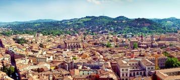 Vista di panorama di Bolgna fotografie stock