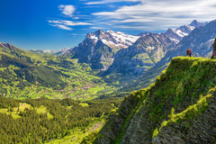 Vista di panorama a Grindelwald da Mannlichen Immagini Stock Libere da Diritti