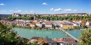 Vista di panorama sopra Burghausen, Baviera, Germania Fotografie Stock