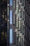 Vista di parecchie costruzioni architettoniche di affari di Londra vicino al comune immagine stock libera da diritti