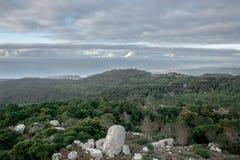 Vista di Peninha sopra Sintra e l'Oceano Atlantico Fotografia Stock Libera da Diritti