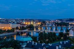 Vista di Praga nella notte Immagini Stock Libere da Diritti