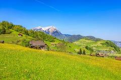 Vista di primavera nel Canton Nidvaldo in Svizzera Fotografia Stock