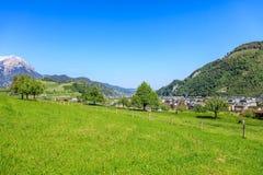Vista di primavera nel Canton Nidvaldo in Svizzera Fotografie Stock Libere da Diritti