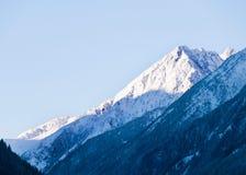 Vista di primo mattino sul picco di Stubai Alpen Fotografie Stock