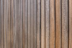 Vista di prospettiva del fondo di legno di struttura del pannello Weathered immagine stock