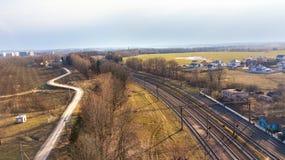 Vista di prospettiva superiore sulle linee ferroviarie Immagini Stock