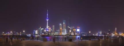 Vista di Pudong sull'argine di Bund a Shanghai, Cina Fotografia Stock Libera da Diritti