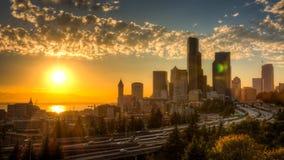 Vista di Puget Sound con i cieli blu e Seattle del centro, Washington, U.S.A. fotografie stock