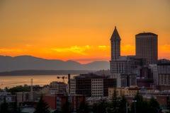 Vista di Puget Sound con i cieli blu e Seattle del centro, Washington, U.S.A. fotografia stock