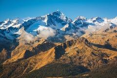 Vista di punta alpina di Magnificient, Italia, alpi Fotografia Stock