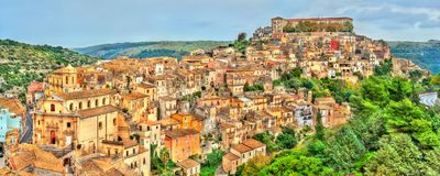 Vista di Ragusa, una città di eredità dell'Unesco in Sicilia, Italia immagine stock