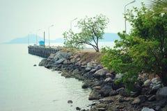 Vista di roccia sulla spiaggia Immagine Stock