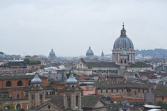Vista di Roma da una collina. Fotografie Stock
