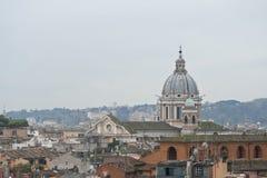Vista di Roma da una collina. Fotografia Stock Libera da Diritti