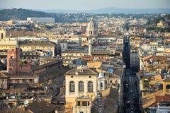 Vista di Roma dall'altare della patria Immagini Stock