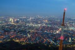 Vista di Seoul da sopra al crepuscolo Fotografia Stock