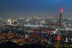 Vista di Seoul da sopra al crepuscolo Fotografie Stock Libere da Diritti
