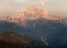 Vista di sera del supporto Civetta in dolomia di Italien Fotografia Stock