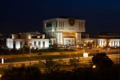 Vista di sera della biblioteca fondamentale concentrare intellettuale fotografie stock