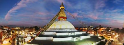 Vista di sera dello stupa di Bodhnath - Kathmandu Immagine Stock Libera da Diritti
