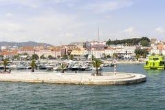 Vista di Setubal dal porticciolo, Portogallo fotografia stock libera da diritti
