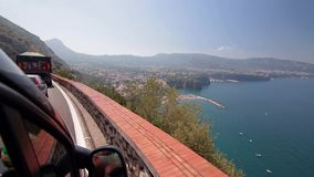 Vista di Sorrento con una strada L'Italia archivi video