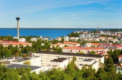 Vista di Tampere dalla torre di Pyynikki Fotografie Stock