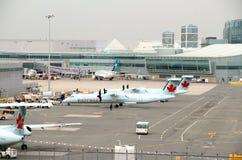 Vista di Toronto Pearson Airport Tarmac fotografia stock