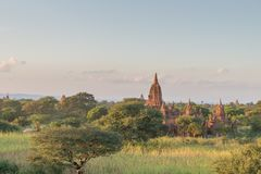Vista di tramonto di area di tempio di Bagan, Myanmar immagini stock libere da diritti