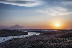 Vista di tramonto dell'isola e della montagna di Rishiri da Wakkanai, Hokkaido, immagine stock