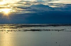 Vista di tramonto della linfa di Tonle fotografia stock libera da diritti