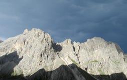 Vista di tramonto delle alpi della dolomia bella Fotografie Stock Libere da Diritti